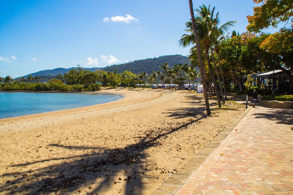 8 Airlie Beach