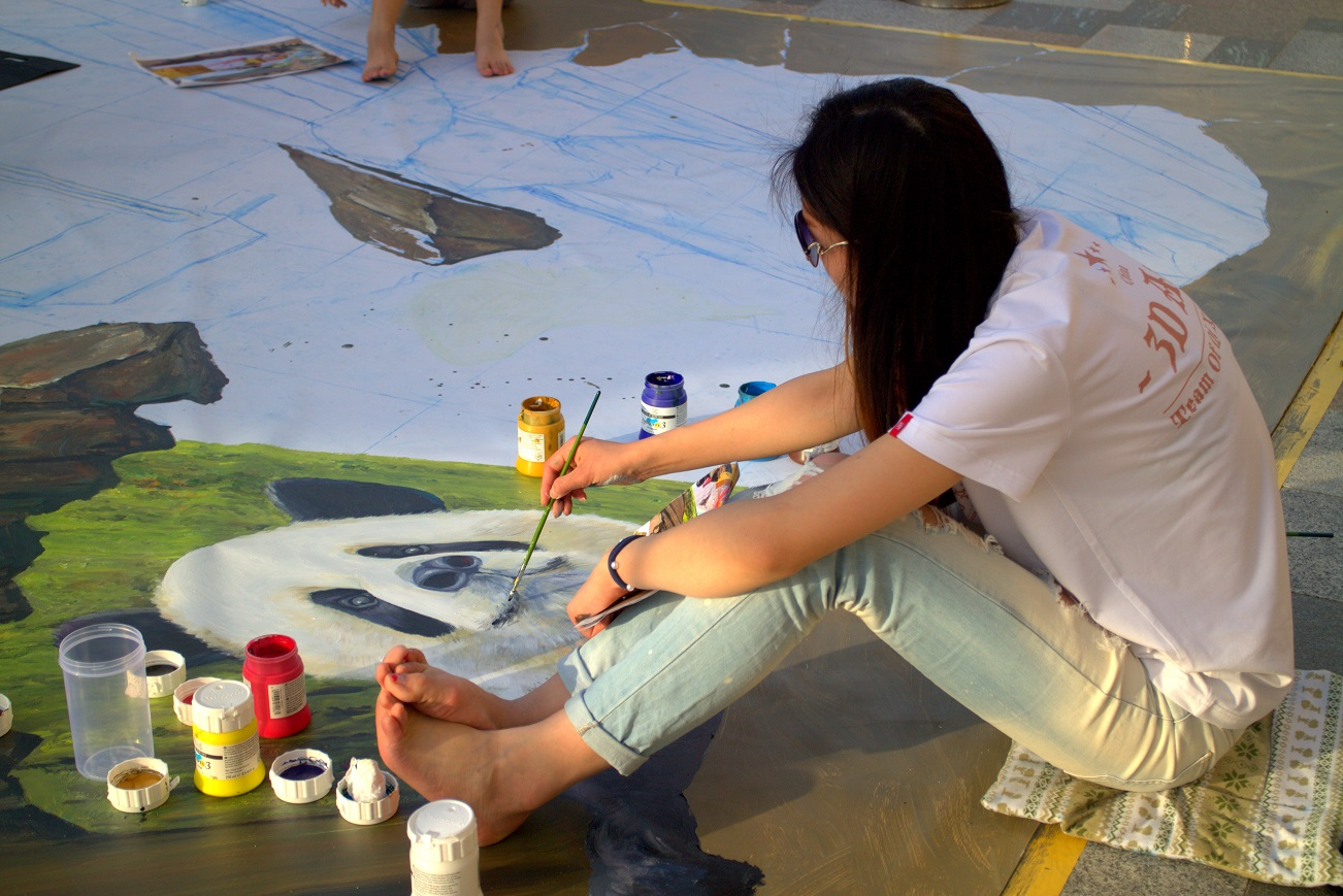 Artist at Dubai canvas festival. Photo: Josefine Nilsson