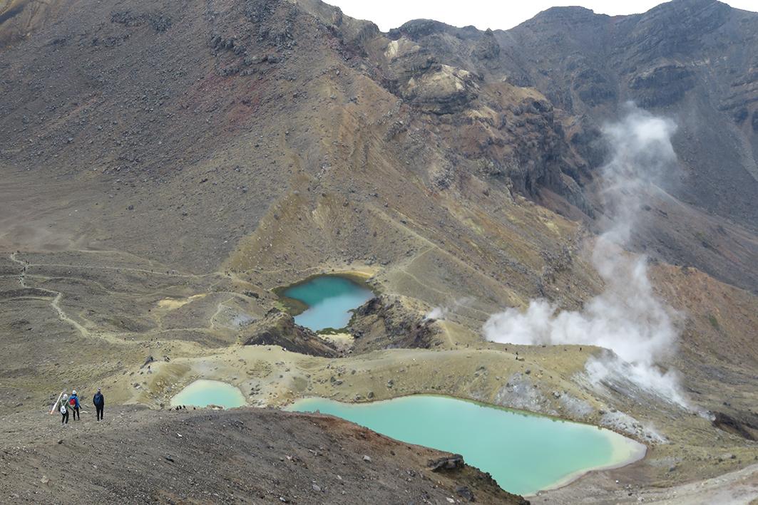 Emerald Lakes är en vacker syn under Tongariro Alpine Crossing på Nya Zeeland. Foto: Lovisa Enlund