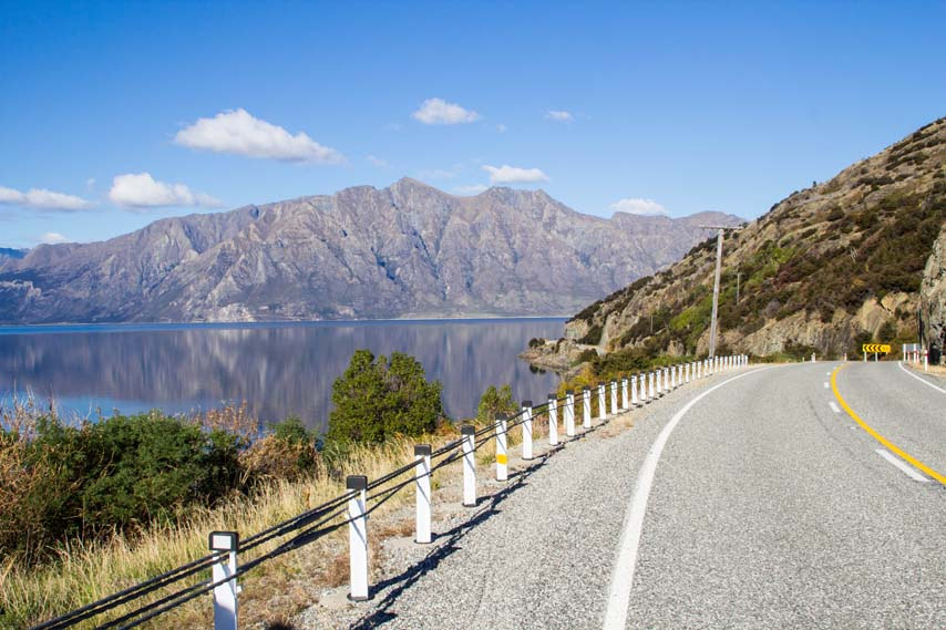 Roads towards Wanaka. Photo: Patrik Enlund