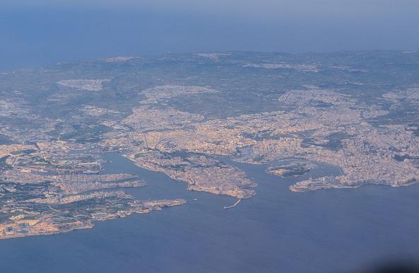 Valletta är halvön som ligger i mitten på bilden - en av världens minsta huvudstäder.