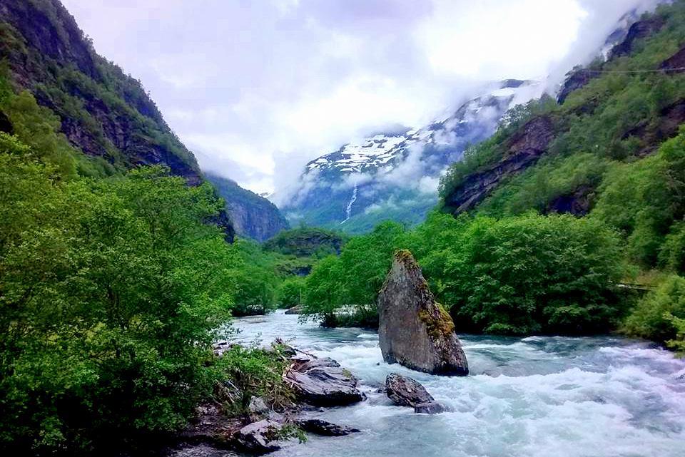 En av alla vackra vyer i Flåmsdalen, Norge. Bild: Josefine Nilsson