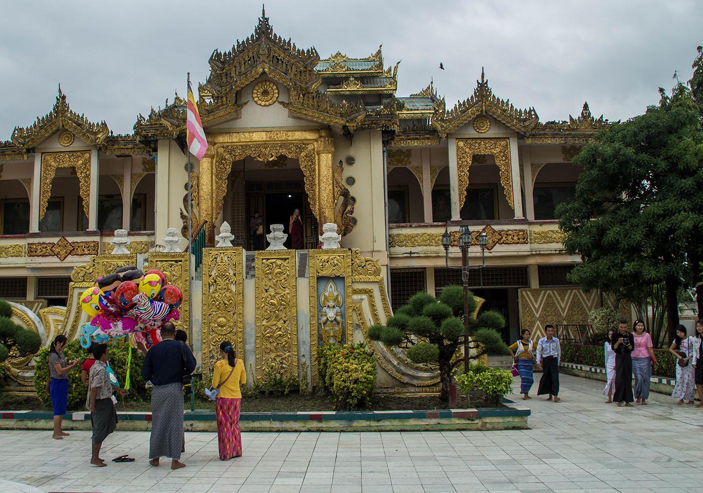 Mahamuni Buddha Temple.