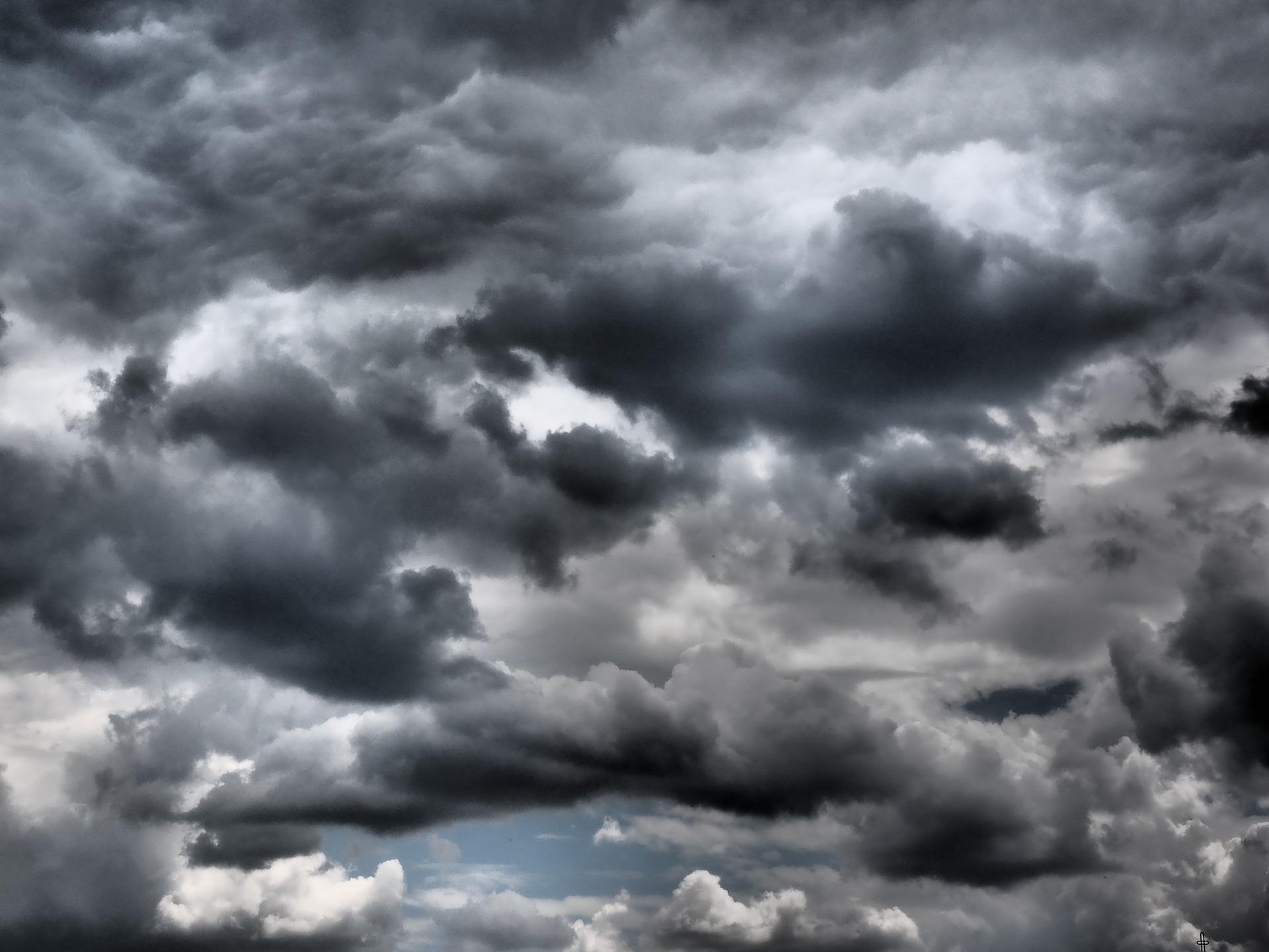 sky-592415_1920