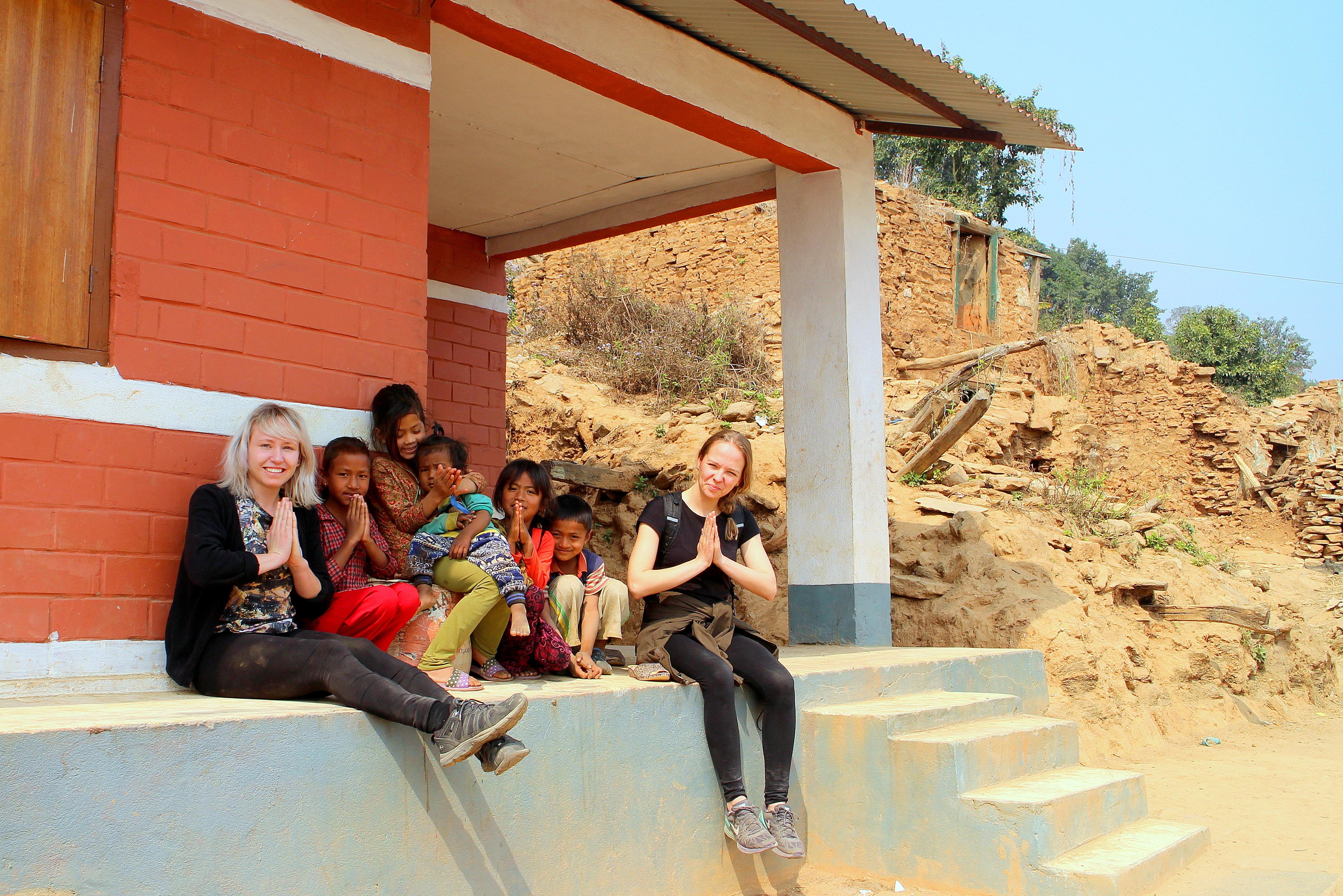 Ett av de första husen som byggdes i byn efter jordbävningen. Foto: Josefine Nilsson