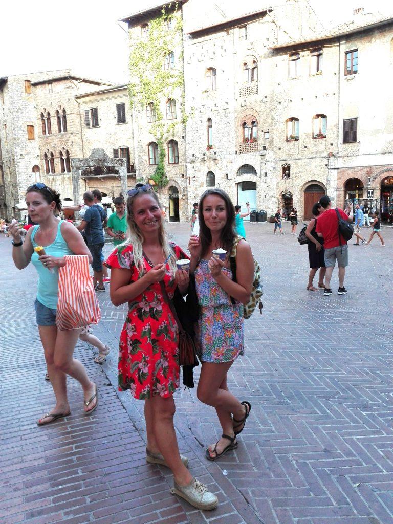 Gelato från världens bästa gelateria i San Gimignano