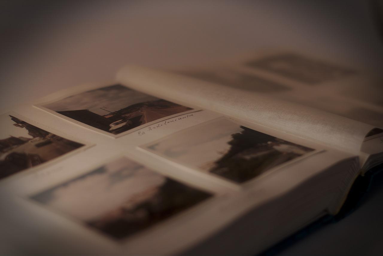 photo-album-235603_1280