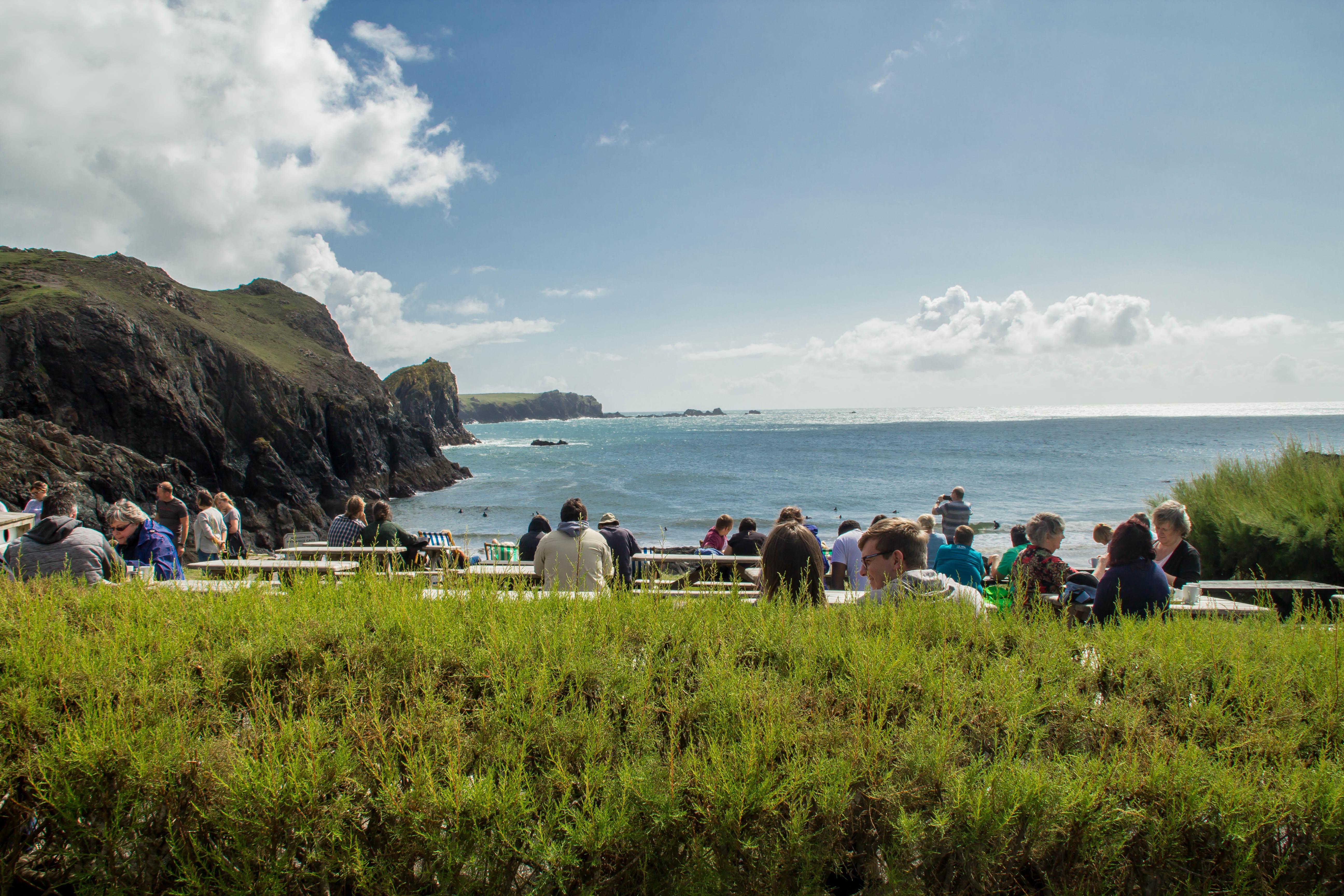 Utsikten från Kynance Cove Café.