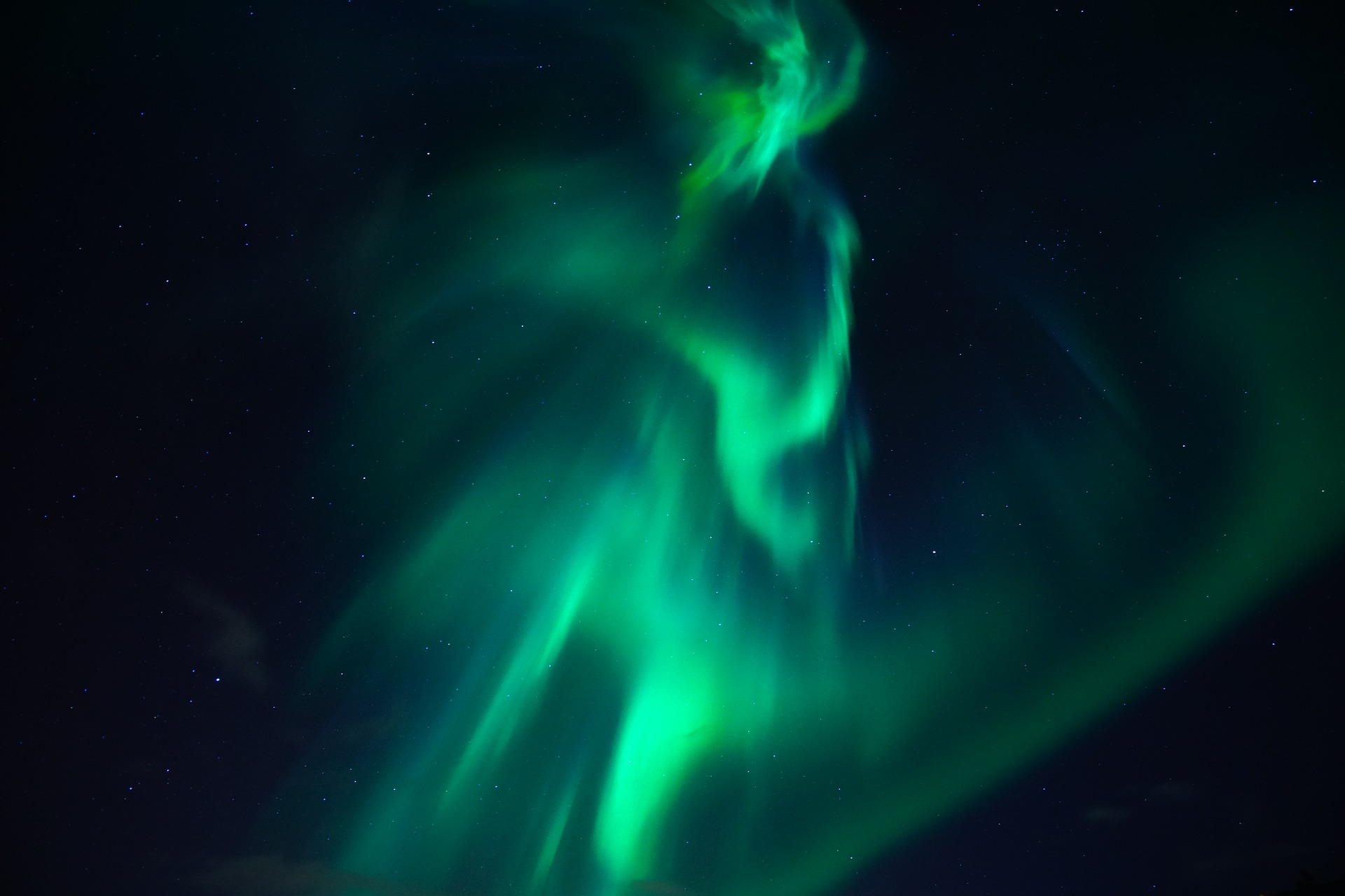 northern-lights-3273425_1920